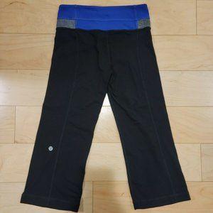 EUC Lululemon Wide Leg Reversible Capri Leggings Size 2 in Black/Blue/Grey.